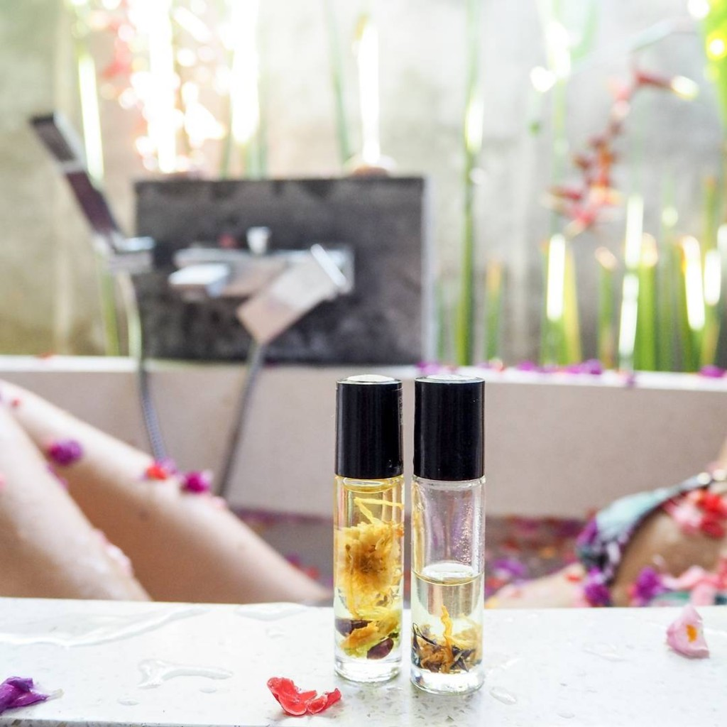 I've been a raving fan of BethKaya for several years now. I still remember my very first purchase from Beth - the warm vanilla fig perfume oil mixed with little rough gems. I keep coming back to this scent, it's the one that got me hooked. Do you remember your first purchase from Beth?
