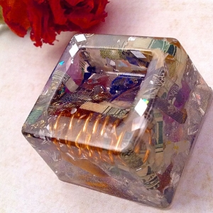 "✨Second Auction✨ - Simple little Orgone Etheric Cube 1"" 🌌It can be used as a smaller sphere holder as well. It has deminted money inside, mixed metal, amethyst , lapis, copper wrapped Tibet Quartz , cornflower and more.  Bidding Starts at $1.00 😍 and goes in whole dollar increments. Ends 9pm est tomorrow - winner pays $6 insured s/h USA and rated for international winners. 🌿Comment with your bid and tag who you're outbidding. 🌿 #goodluck 💎⚡️"