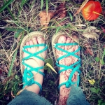 Next best thing to #earthing @handmaderopesandals  #fall #chineselantern #persimmon 😍