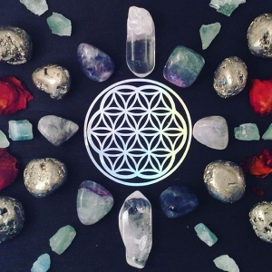 "Flow. #crystalgrid #affirmation ""Everything I need is within me."" ?"