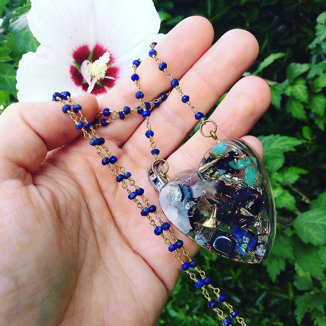 Vibing one this piece very much, communication, throat, third eye , courage of words - ️Lapis, chalcedony, chalcopyrite, Amazonite, brass, quartz, stainless , hematite , orgone accumulator on ️Lapis chain ⚡️