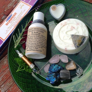 ✨Good Morning to you! ?I am going to do two auctions today! ?Here is the first bundle. This one is about keeping the faith, pushing through when things are tough.? These bundles are a fun way to get intentionally bundle things from BethKaya for less and at the hand of a little sport. ✨This bundle includes:✨ ?1- 2.7 oz bottle of Natural Faithful Grace Lotion with a Tibetan Quartz Point Infused (#Faithfulgrace is a unisex, clean and universal scent that EVERYONE falls in love with!) ?1 - Shea and Sea Salt Bar or Faithful Milk Soap ?1 - Crystal Infused Faithful Perfume Solid ?1 - Copper Pendulum with A Quartz Point tip and Quartz Sphere Termination ?1 - Orgone Tetra Featuring Quartz, Lapis Moonstone & Citrine ?7 Loose Crystals - 2 Coffee Moonstone Tumbles, 3 Rose Quartz Tumbles, 2 Chalcopyrite Rough ? 1 Box of my FAV incense, SUNRISE ?This bundle retails for around $65. Bidding Opens At $19.00 and goes in whole dollar Increments.? ?To bid: Comment with Your Bid Tag Who You Are Outbidding ?Winner pays 6.50 Shipping and Handling USA and rated by weight and zip for international winners. Auction Closes Sunday 9pm est.✨ ?Thank you for supporting these! Another one on the way! XOXO #parcel #crystals #bethkaya #bethkayaauctions #crystalinfused