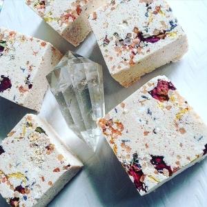 #Bathbombs #aromatherapy #crystalinfused #bybethkaya ⚡️